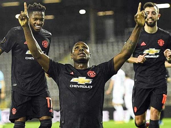Vì sao các CLB Ngoại hạng Anh lại từ chối trở lại ra sân-min