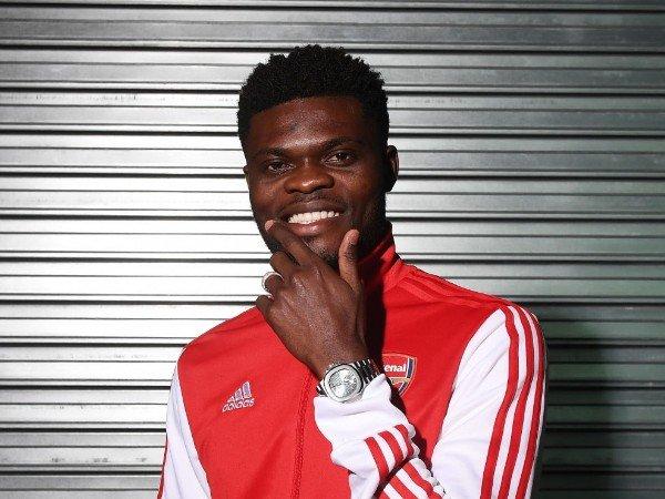 """Tin bóng đá Arsenal 14/10: Partey tự nhận mình là """"bạch tuộc"""""""