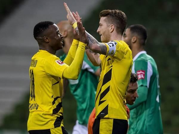 Tin bóng đá chiều 16/12: Dortmund thay tướng đổi vận