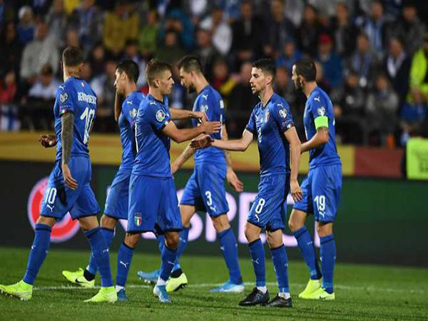 Tin bóng đá trưa 2/7: ĐT Italia đã lên phương án đá luân lưu
